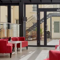 Seine West Hotel Veranda